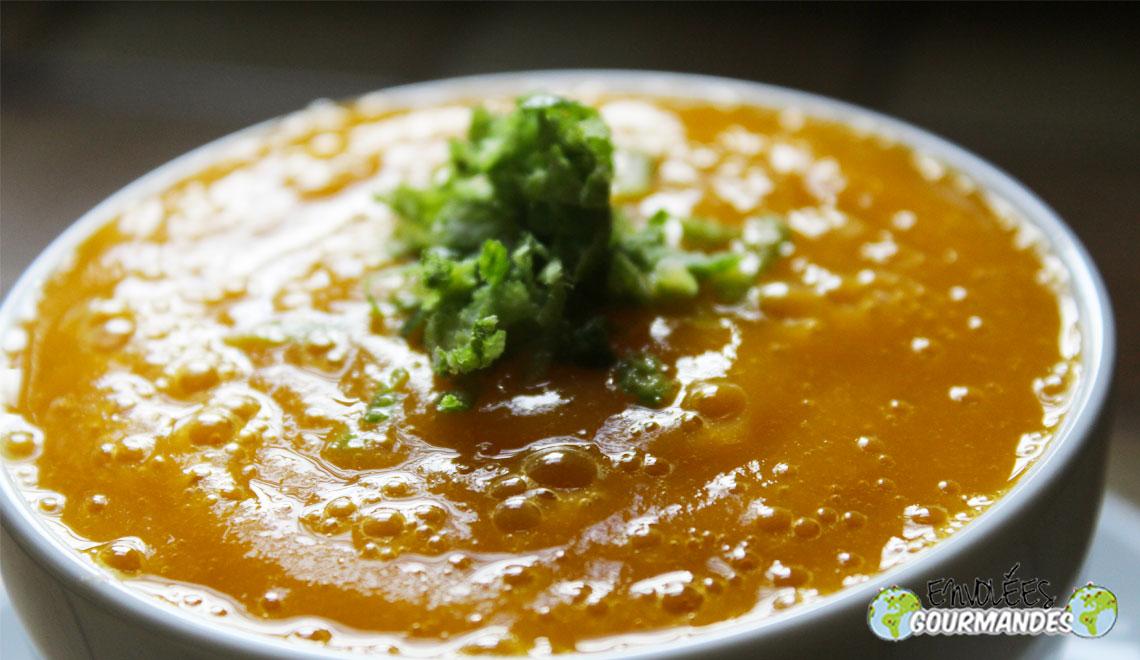 Mango-Suppe mit Limetten