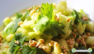 ananas, avocado e insalata di cetrioli pepe Penja