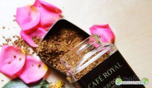 Pirogue de madeleines Café Royal et leurs parures de rose