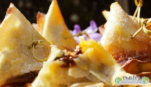 Samoussas gourmands à la Fourme d'Ambert, fruits de mon enfance et chocolat noir