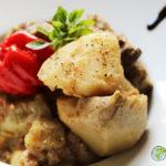 En get gryta cocoyam och små äggplantor Kamerun, sublimeras genom ZESOK kryddor för kött
