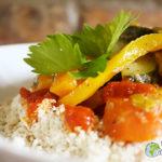 Meu cuscuz Gari grelhado com legumes e molho de tomate